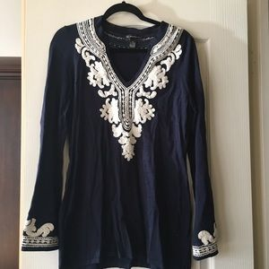GORGEOUS INC SZ XL BLUE AND WHITE SWEATER